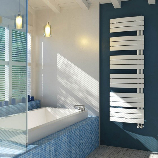 asymmetrische badheizk rper. Black Bedroom Furniture Sets. Home Design Ideas